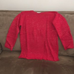 Mild red sweater with gold threading